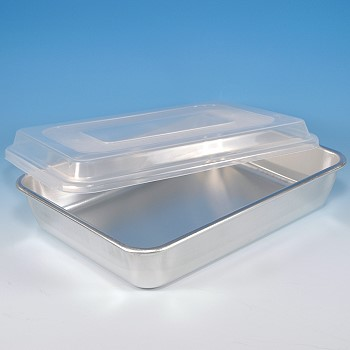 BAKERS CAKE PAN WITH PLASTIC LID