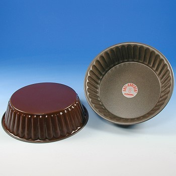 FLUTED CAKE MOLD