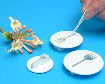 HONEYSUCKLE BLOSSOM CUTTER SET