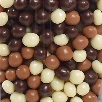 TRICOLOR CHOCOLATE PEARLS
